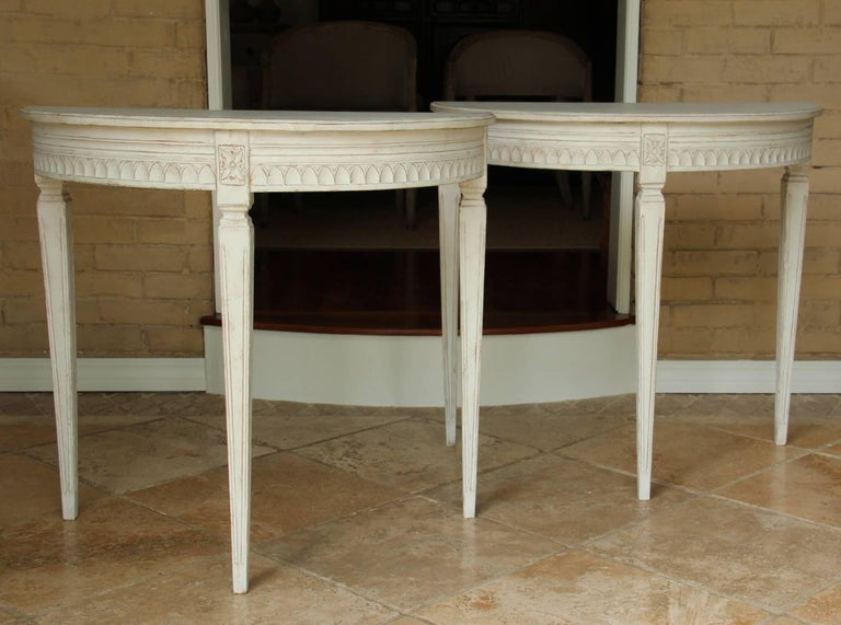 19th Century Pair of Swedish Gustavian Bedside Demilune Console Tables 4