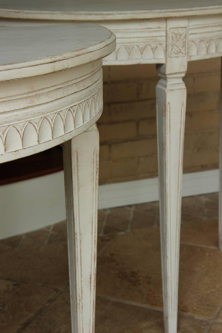 19th Century Pair of Swedish Gustavian Bedside Demilune Console Tables 5