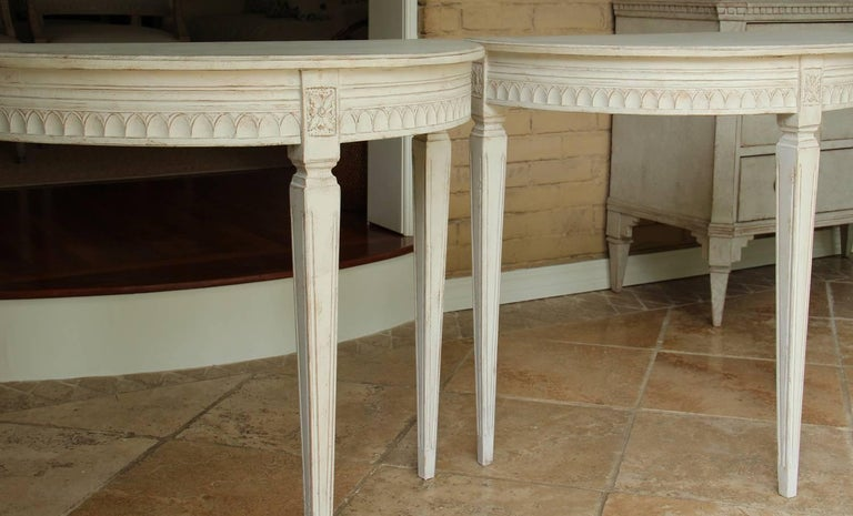 19th Century Pair of Swedish Gustavian Bedside Demilune Console Tables 6