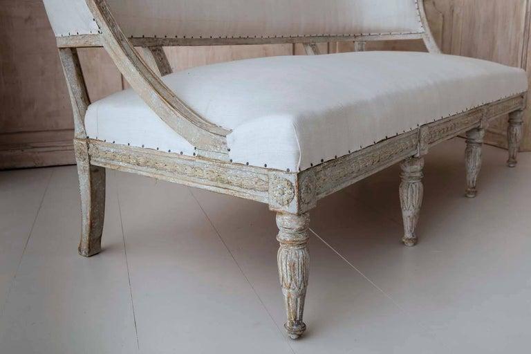 19th Century Swedish Gustavian Barrel Back Sofa Settee In Excellent Condition For Sale In Wichita, KS