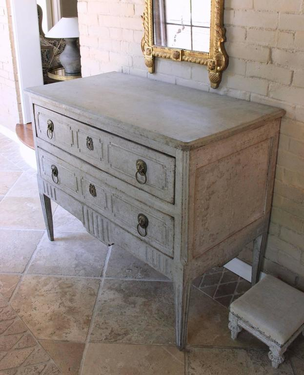 18th century italian neoclassical richly carved and painted commode for sale at 1stdibs. Black Bedroom Furniture Sets. Home Design Ideas