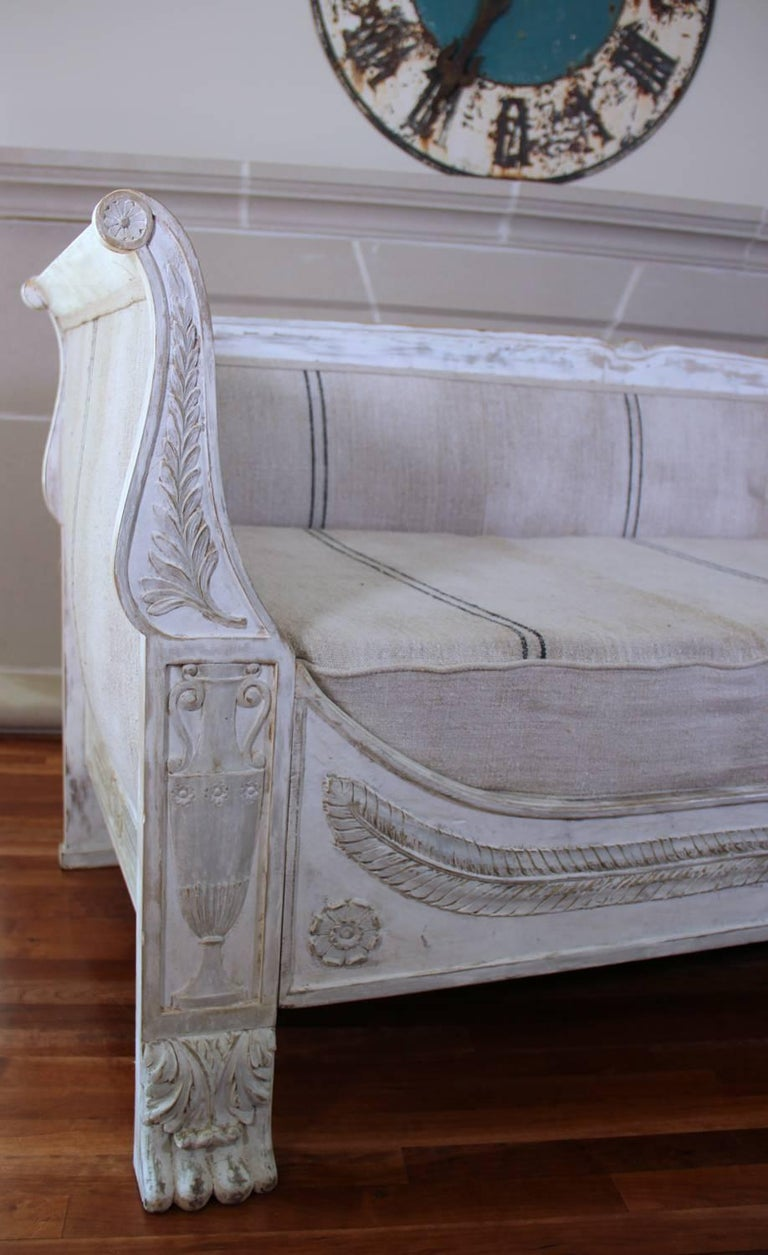 Linen 19th Century French Period Empire Daybed Sofa For Sale