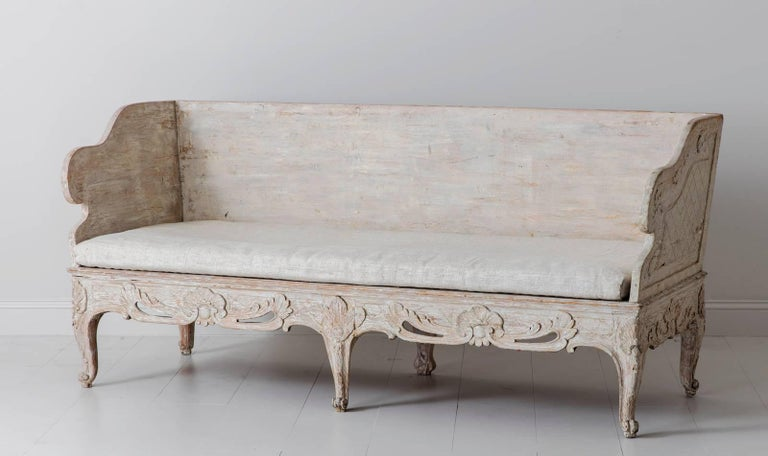 18th Century Swedish Period Gustavian Trag Sofa Bench in Original Paint For Sale 1