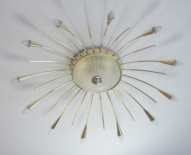 Large Mid Century Modern Sputnik Ceiling Chandelier, Stilnovo Style, Brass Glass In Excellent Condition For Sale In Bremen, DE
