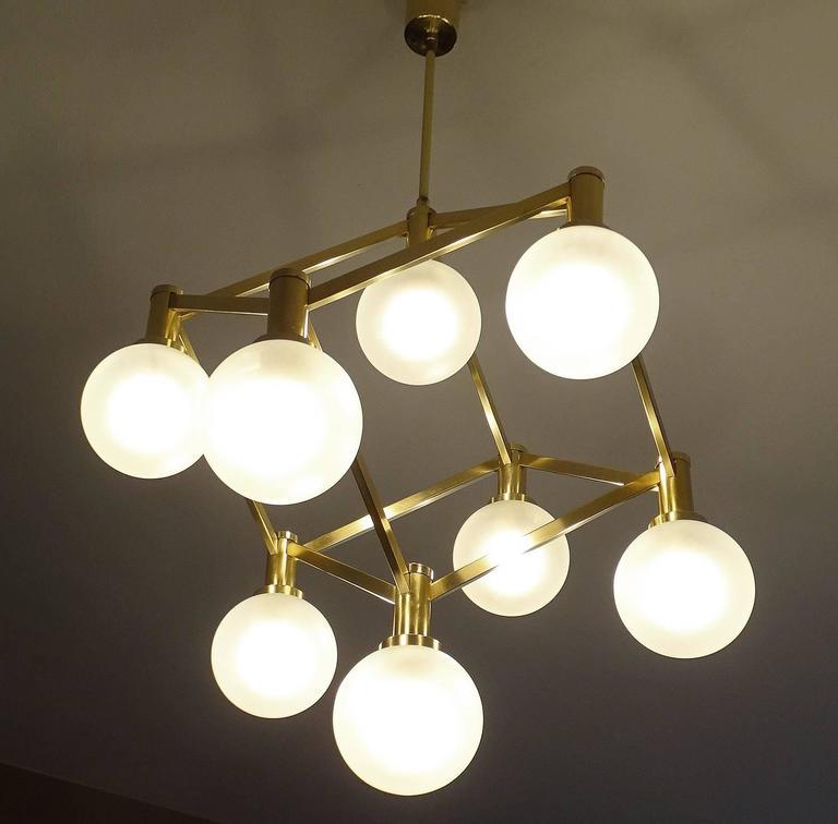 Italian Sciolari Glass and Brass Chandelier, 1960s Modernist Stilnovo Pendant Lamp For Sale