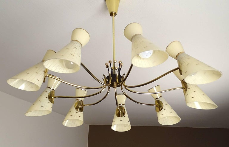 Large Italian Diabolo Glass Shades and  Brass Chandelier Pendant Light, 60s In Good Condition For Sale In Bremen, DE