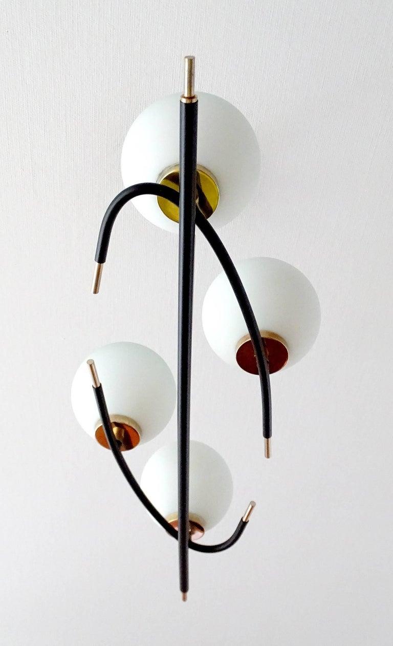 Large  Maison Lunel Brass Chandelier  Pendant Light, Stilnovo Gio Ponti Era In Good Condition For Sale In Bremen, DE
