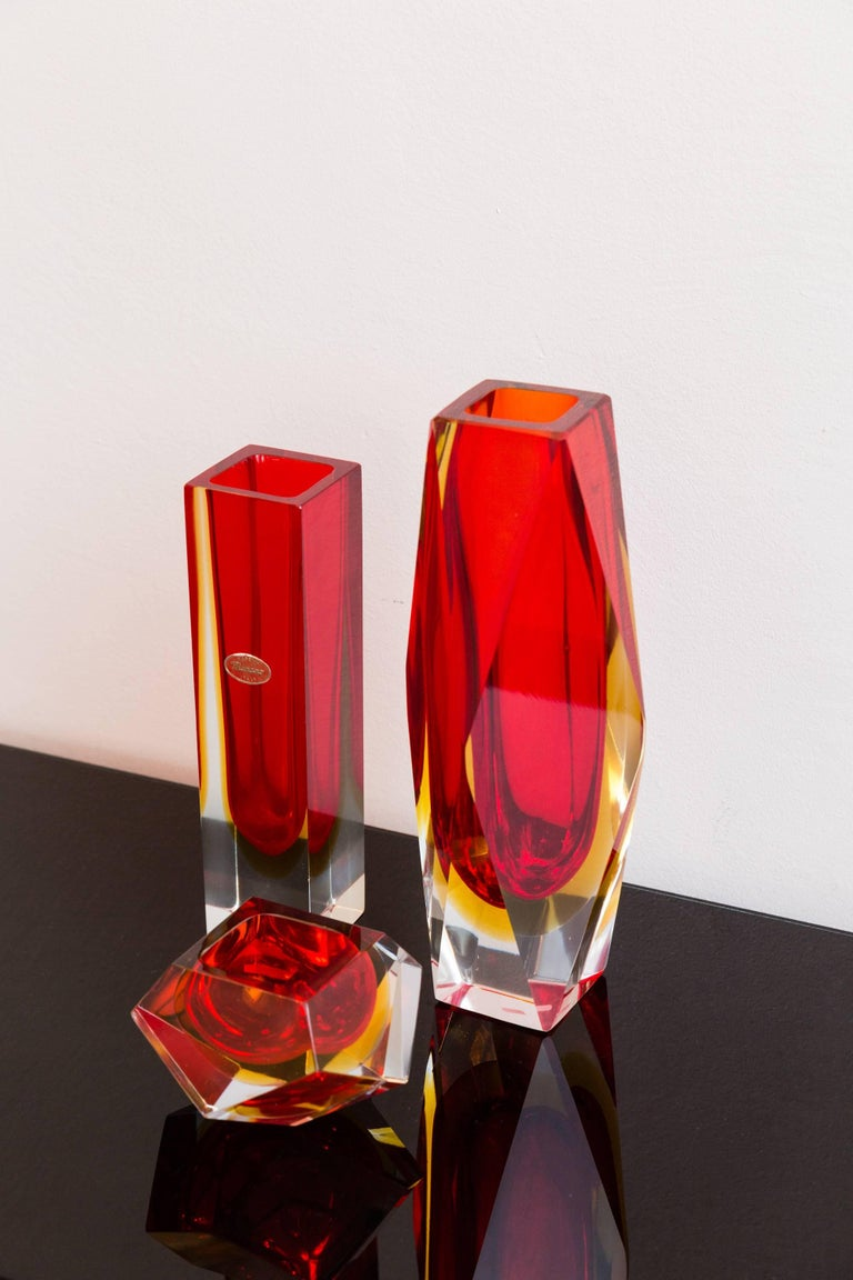 Set of Three Red Color Murano Glass Vases, Prod Sommerso, Italy, circa 1960 3