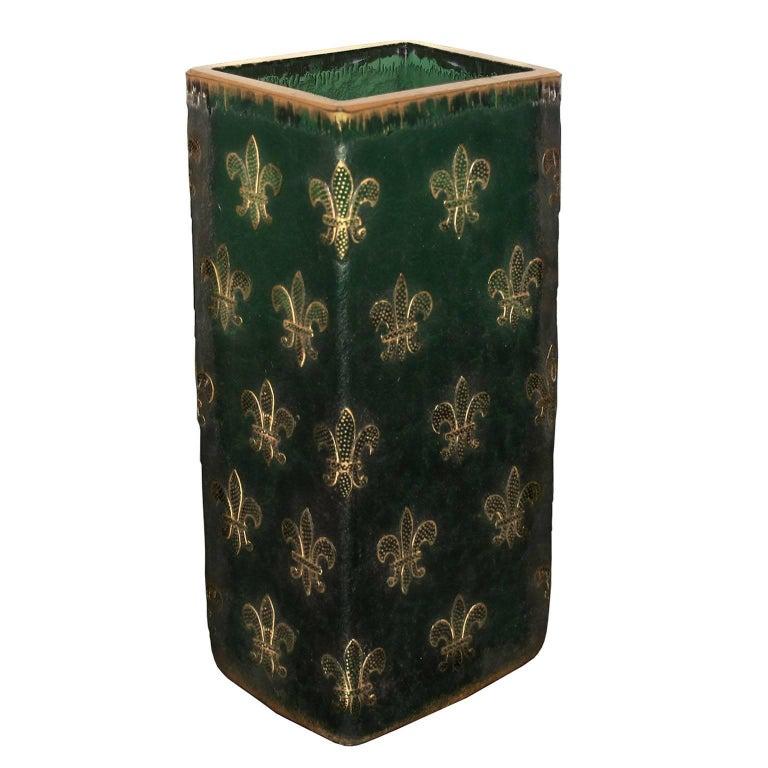 daum nancy cameo glass fleur de lis vase for sale at 1stdibs. Black Bedroom Furniture Sets. Home Design Ideas