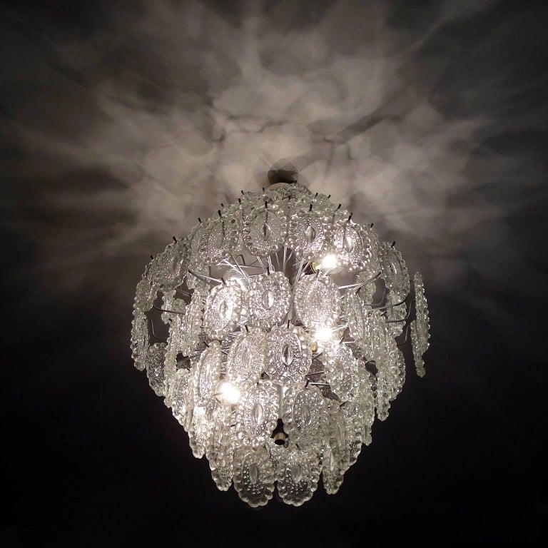 Mid-Century Modern Impressive Crystal Glass European Chandelier In Good Condition For Sale In Bochum, NRW