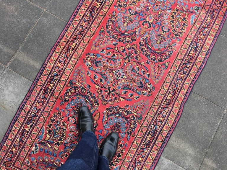 Antique Rug Early 20th Century Lilihan Classic Carpet Red and Blue In Good Condition For Sale In Lohr, Bavaria, DE