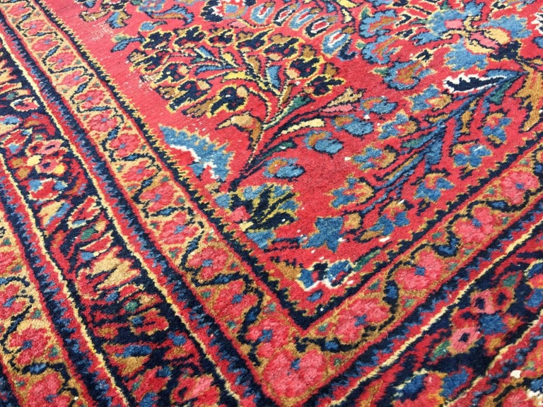 Antique Rug Early 20th Century Lilihan Classic Carpet Red and Blue For Sale 4