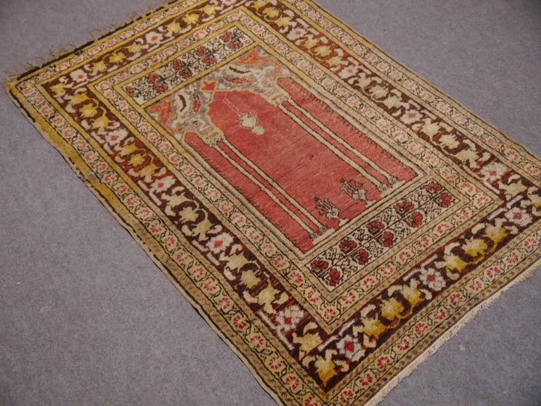 Vintage oriental accent rug - Kayseri prayer carpet / mat