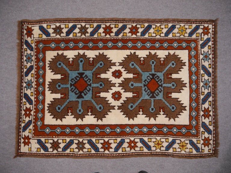 Vintage oriental accent rug - carpet - mat