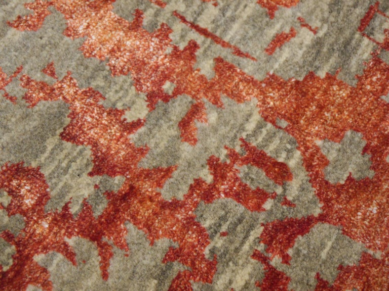 Heriz Modern Design Area Rug Gray, Beige, Red, Salmon, Hand Knotted Wool Silk For Sale 3