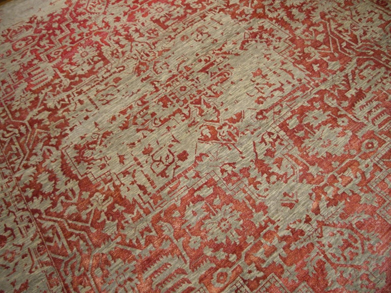 Heriz Modern Design Area Rug Gray, Beige, Red, Salmon, Hand Knotted Wool Silk For Sale 5