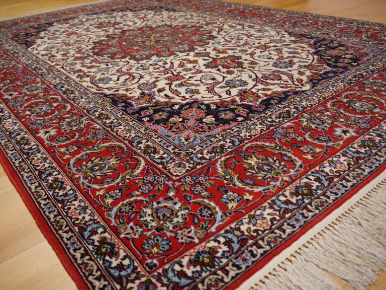 Very fine vintage persian Isfahan/Esfahan rug. Very fine pile made of lambswool and silk foundation.