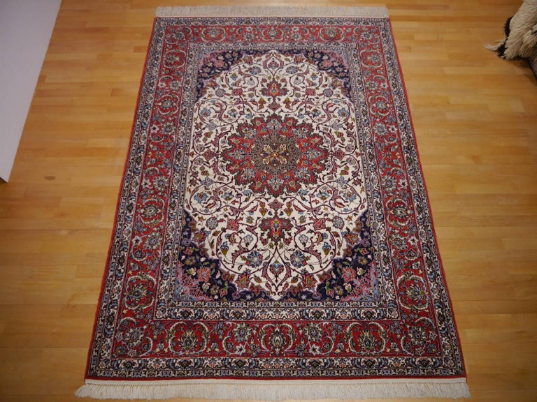 Fine Persian Rug Isfahan Kurkwool on Silk In Excellent Condition For Sale In Lohr, Bavaria, DE