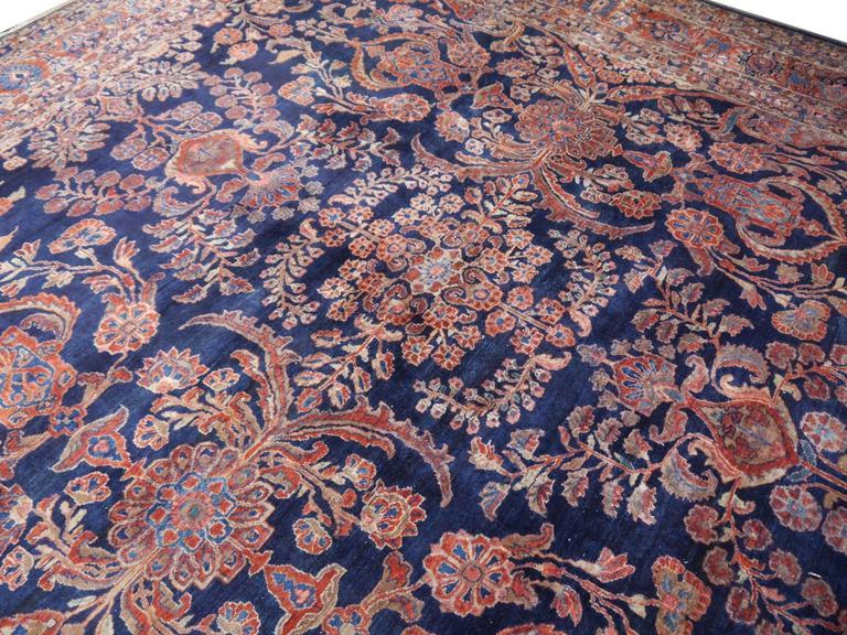 Antique Oversize Sarouk Persian Rug In Good Condition For Sale In Lohr, Bavaria, DE