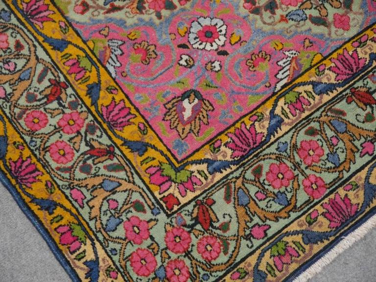 Antique Persian Kerman Rug with Unique Colors In Good Condition For Sale In Lohr, Bavaria, DE