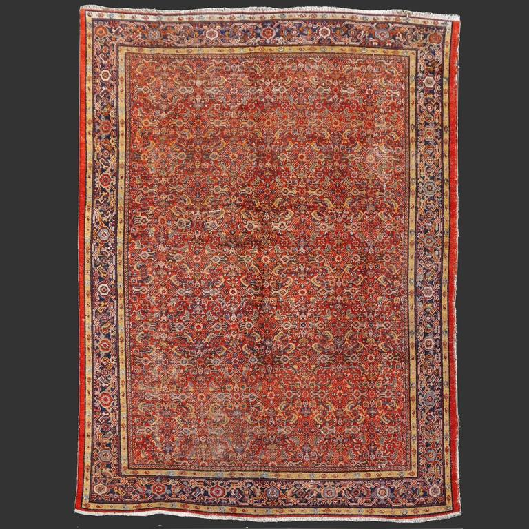 Antique Sultanabad Mahal Persian Distressed Industrial Style Rug In Fair Condition For Sale In Lohr, Bavaria, DE