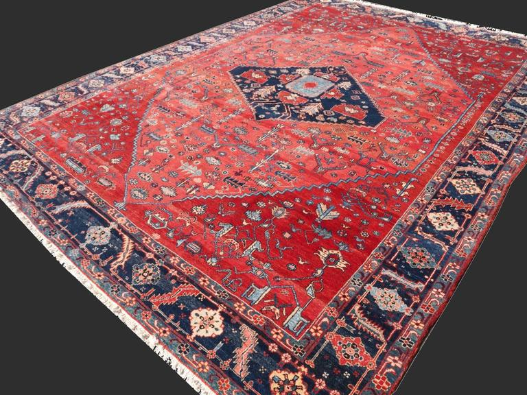 Persian Style Azeri Heriz Rug In Excellent Condition For Sale In Lohr, Bavaria, DE