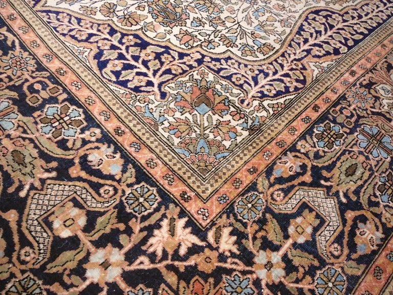 19th Century Mohtasham Kashan Fine and Rare Collectors Rug In Good Condition For Sale In Lohr, Bavaria, DE