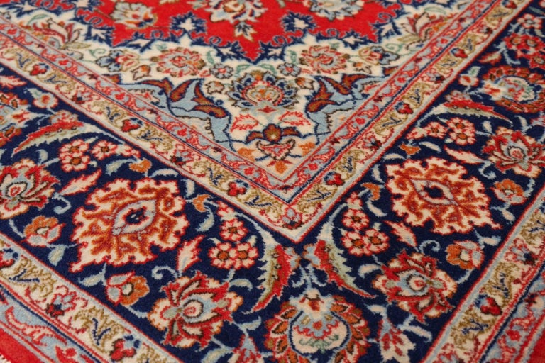 Late 20th Century Isfahan Persian Wool and Silk Rug For Sale