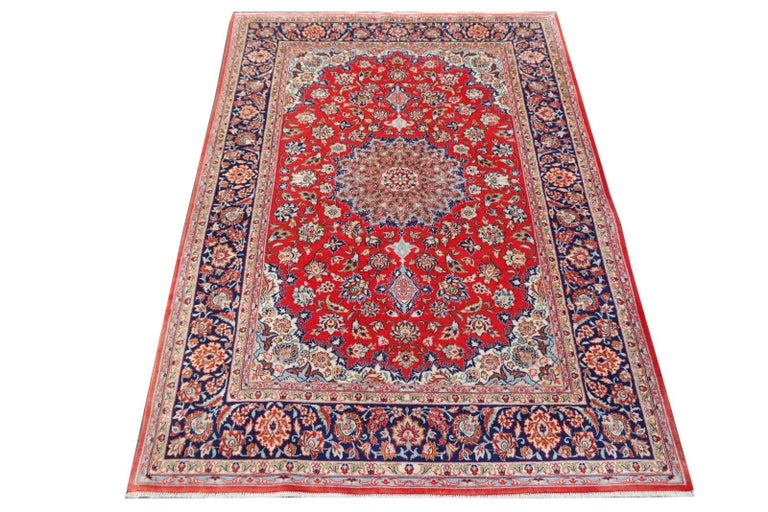Isfahan Persian Wool and Silk Rug For Sale 1