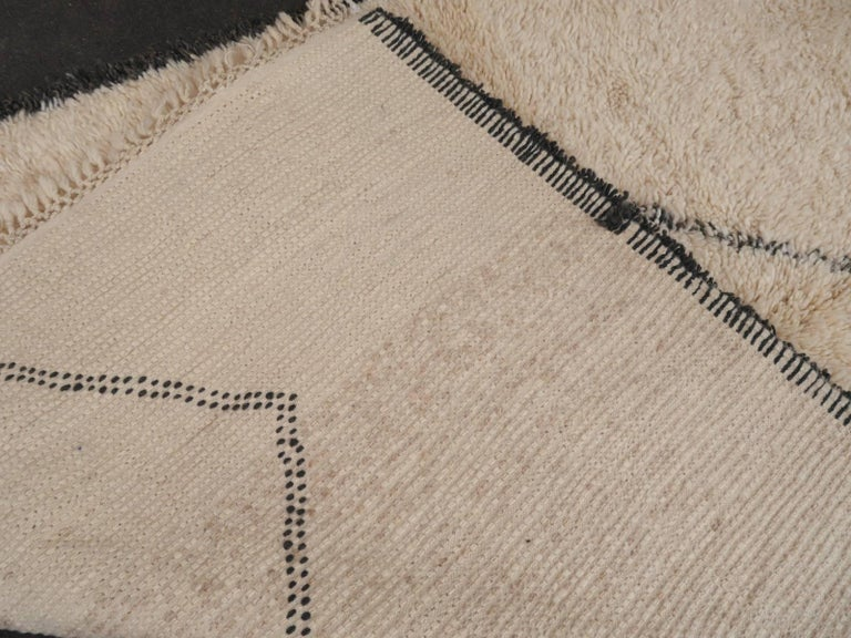 Contemporary North African Moroccan Berber Rug Ivory and Dark Brown For Sale 1