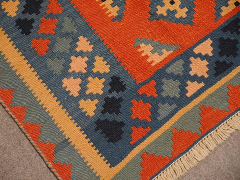 Persian Rug Kilim Handwoven with Natural Dyed Organic Wool, Vintage In Excellent Condition For Sale In Lohr, Bavaria, DE