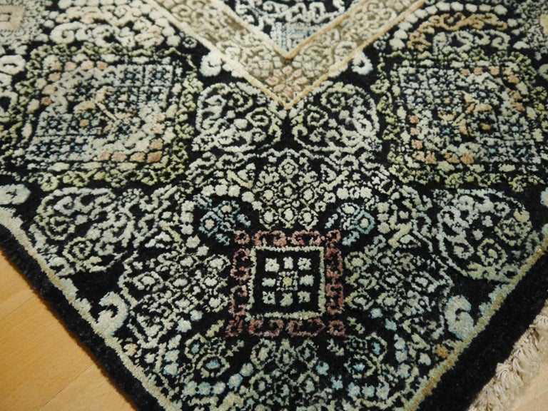 Kohinoor Hand-Knotted Wool and Silk Rug from India 9