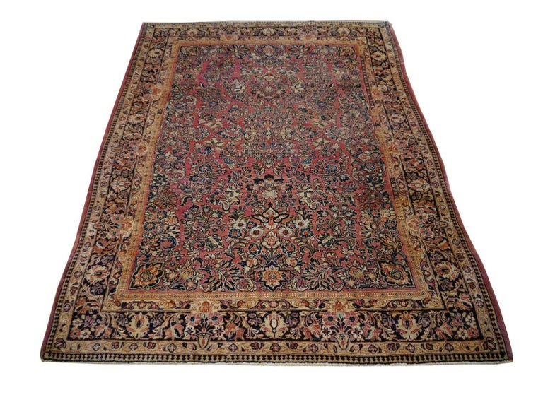 Hand-Knotted Antique Rug Early 20th Century Classic  Carpet For Sale