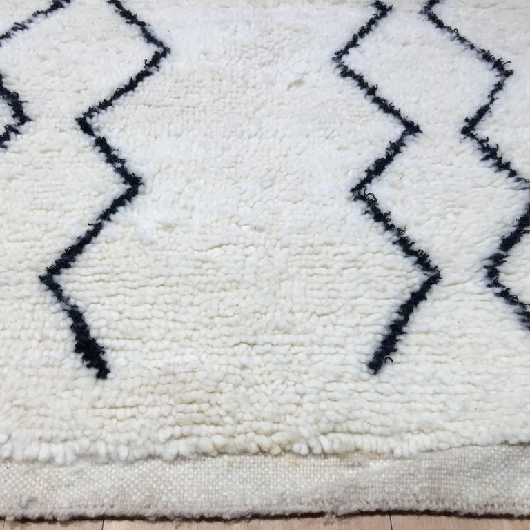 Contemporary Modern Moroccan Rug, North African Beni Ourain Tribal Carpet Wool White & Black For Sale