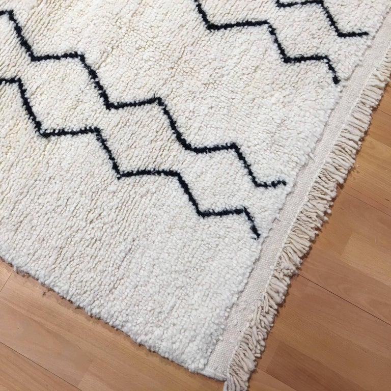 Modern Moroccan Rug, North African Beni Ourain Tribal Carpet Wool White & Black For Sale 2