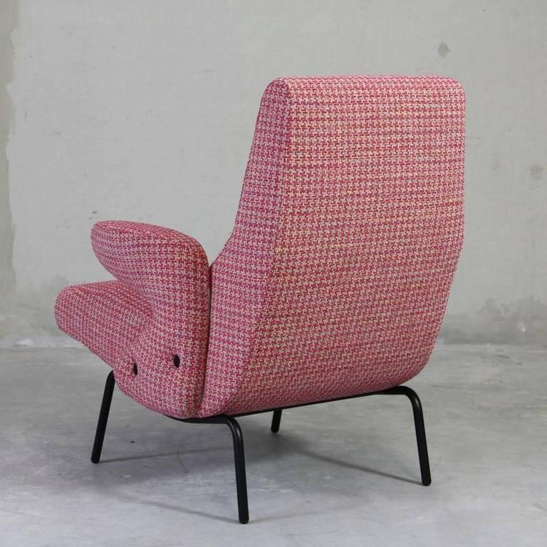 Delfino Lounge Chair and Pouf by Eberto Carboni 5