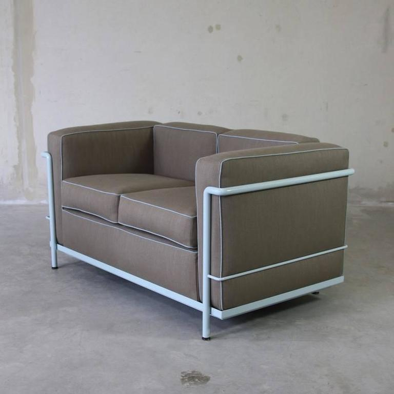 Two seat sofa by le corbusier cassina 1970s at 1stdibs for Divan le corbusier