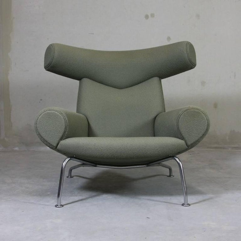 Ox Chair 'EJ-100' and Foot Stool by Hans J. Wegner 2