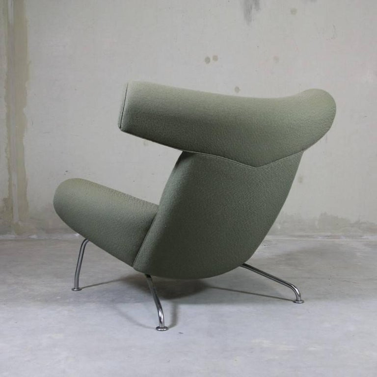 Ox Chair 'EJ-100' and Foot Stool by Hans J. Wegner 4