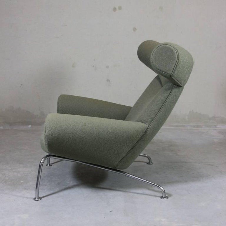 Ox Chair 'EJ-100' and Foot Stool by Hans J. Wegner 5