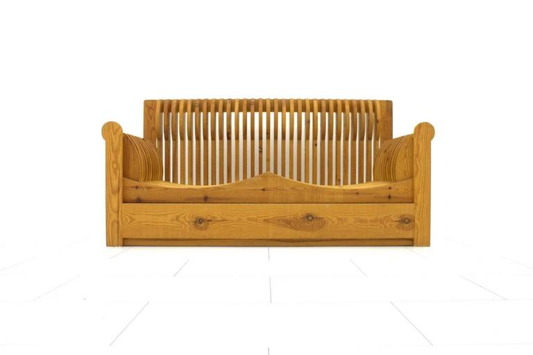 Mario ceroli 39 mobili della valle 39 sofa pine wood for Mobili wooden art