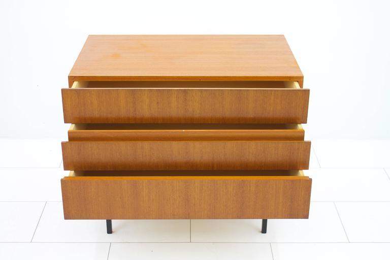 Teak Dresser or Small Sideboard by Dieter Waeckerlin for Behr, 1950s In Good Condition For Sale In Frankfurt / Dreieich, DE