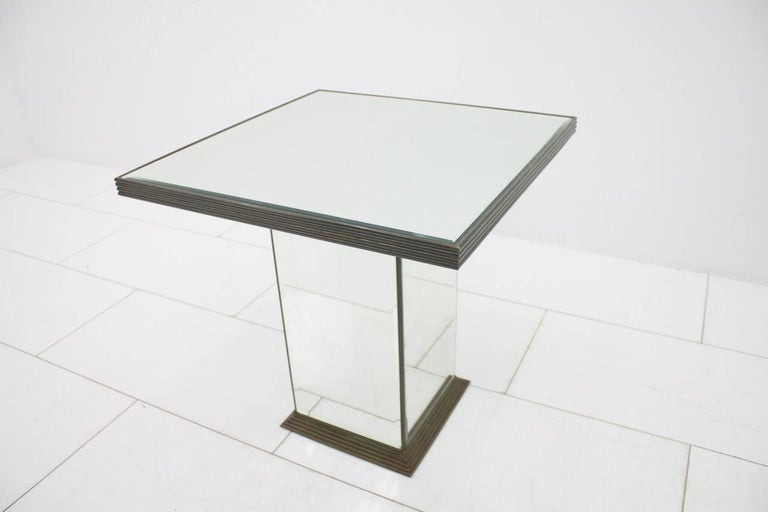 Fully Mirrored Side or End Table, France, 1970s In Good Condition For Sale In Frankfurt / Dreieich, DE