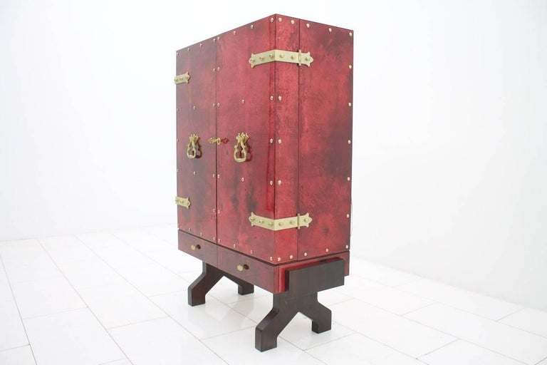 Mid-Century Modern Illuminated Dry Bar by Aldo Tura In Red Goatskin, Italy, 1960s For Sale