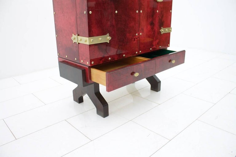 Mid-20th Century Illuminated Dry Bar by Aldo Tura In Red Goatskin, Italy, 1960s For Sale