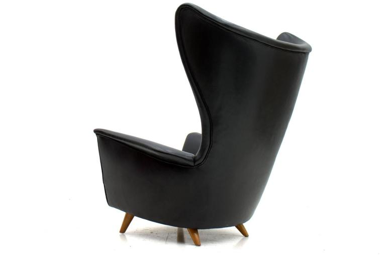 Merveilleux Four Black Leather Wing Lounge Chairs, 1950s In Excellent Condition For  Sale In Frankfurt /