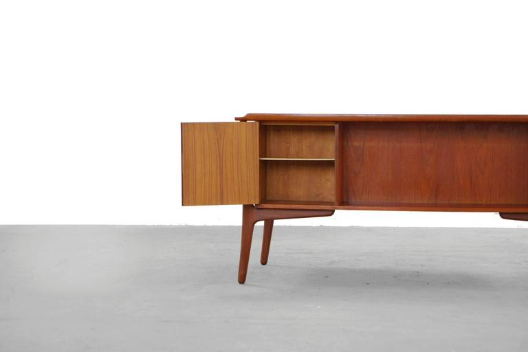 Teak Desk by Svend Aage Madsen Typ 200 Danish Modern, 1960s For Sale 3