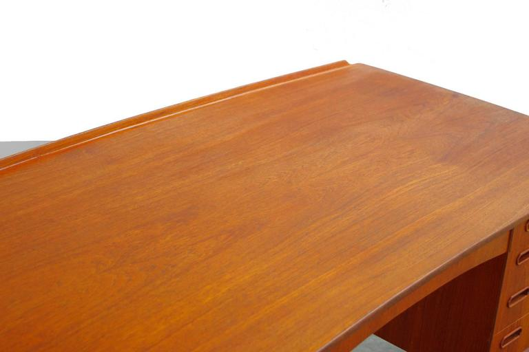 Teak Desk by Svend Aage Madsen Typ 200 Danish Modern, 1960s For Sale 4