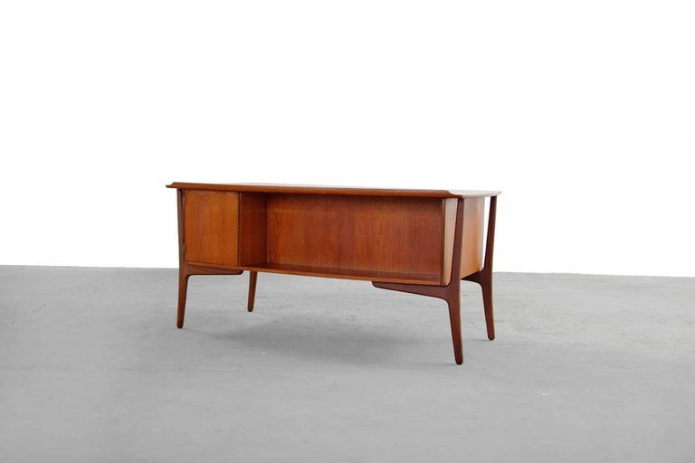 Teak Desk by Svend Aage Madsen Typ 200 Danish Modern, 1960s For Sale 1