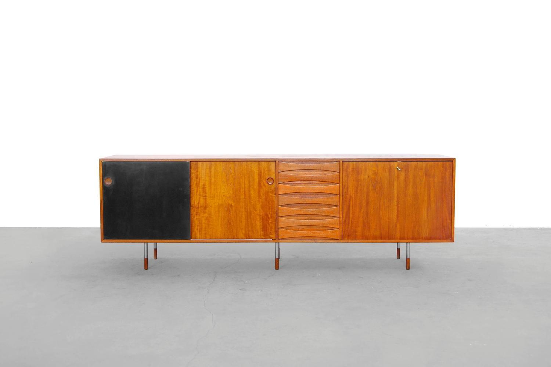 teak sideboard by arne vodder 29a sibast danish modern 1950s 1960s at 1stdibs. Black Bedroom Furniture Sets. Home Design Ideas